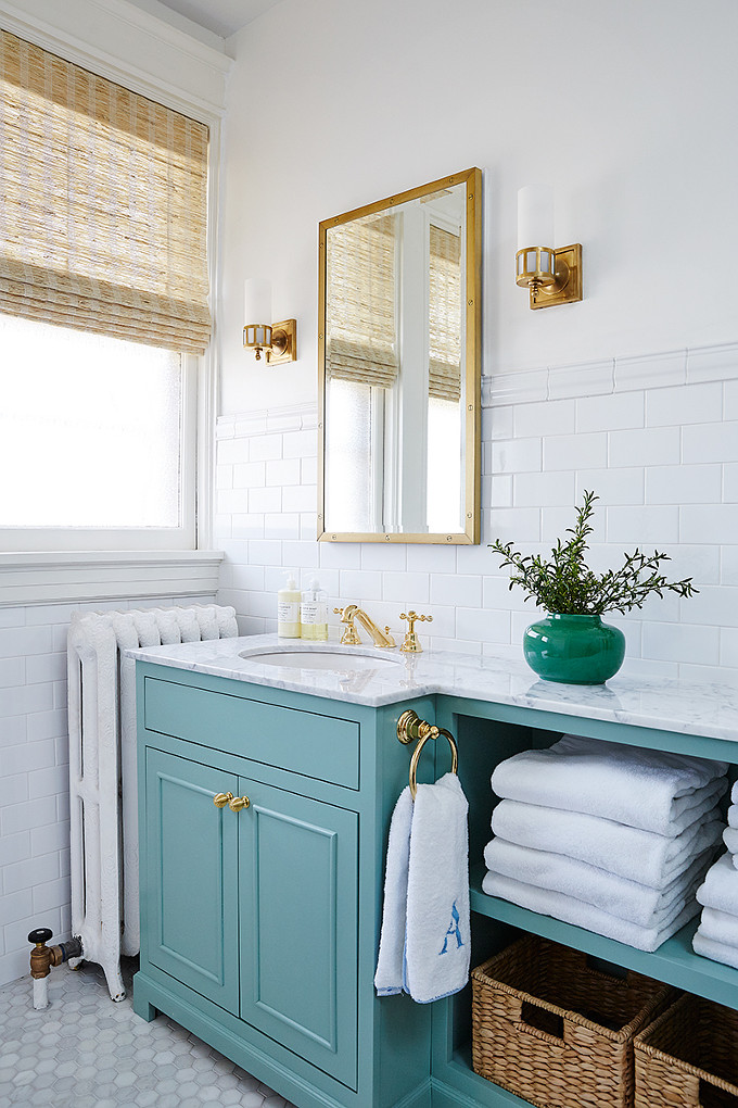 Okay, I Donu0027t Usually Think Of Green As A Bathroom Colour But This Vibrant  Shade Paired With White And Gold Fixtures (again) Sure Makes A Statement.